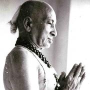 krishnamacharya-hatha-yoga-valence
